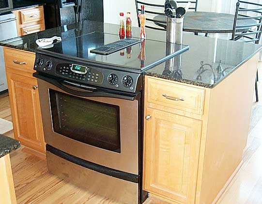 kitchens with island stoves images